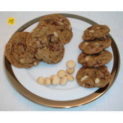 Chocolate Chip Cookies with Roasted Macadamia Nuts